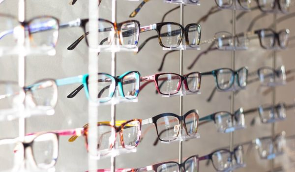How To Choose The Right Glasses Frame For You