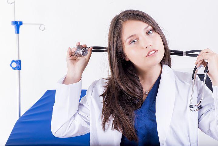 Female Brisbane home doctor
